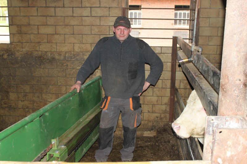 Das Treibschild  ist eine wirkungsvolle Barriere zu den Bullen. So können Reparaturarbeiten sicher erledigt werden.
